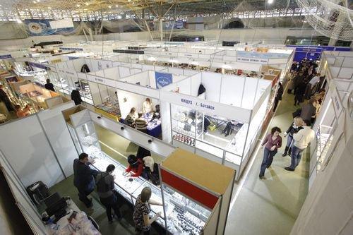 Предновогодняя ювелирная выставка сокровища петербурга